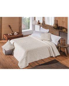 Bonito bouti con un estampado de soles en relieve que llenará de luz tu dormitorio. Presume de dormitorio esta primavera. Compra ahora y recíbelo en 24/48 horas