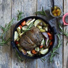 Sunday steak. . . . #sundaydinner #steak #lamb #dinner# nordicfood #foodie #foodphotography #foodstyling  Photo: @baardnaess cook: @kokkeluringen