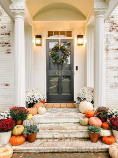 Tricks for decorating Fall porch steps + simple DIY projects you can do to cozy up your porch on a budget. Porch Decorating, Decorating On A Budget, Autumn Decorating, Potted Mums, Porch Steps, Front Steps, White Mums, Faux Pumpkins, Mums And Pumpkins