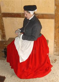 16th Century Working Class Elizabethan Outfit