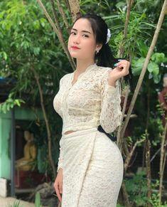 Korean Beauty Girls, Asian Beauty, Beautiful Asian Women, Beautiful Gowns, Long Indian Hair, Burmese Girls, Myanmar Women, Cute Beauty, Cute Asian Girls