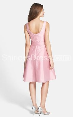 Short Sleeveless V-neckline A-line Satin Bridesmaid Dress With Ruched Bodice
