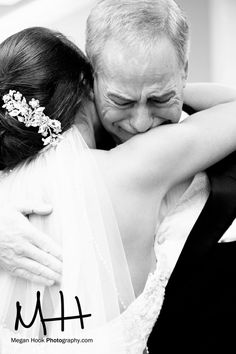 bride and dad picture ♥