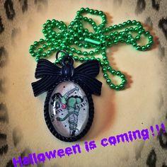 Collana #handmade #halloween #rockabilly #pinup #horror #cammeo #zombie #zombiepinup #zombiegirl #ballchain #gothic