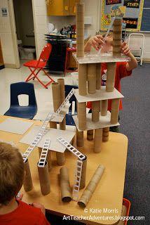 Building with recycled materials - blocks, block play, construction, STEM Block Center, Block Area, Preschool Classroom, In Kindergarten, Reggio Emilia Preschool, Creative Curriculum Preschool, Decoration Creche, Block Play, Reduce Reuse Recycle