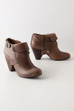I need another pair of brown booties like I need a hole in the head. But they sure are cute..