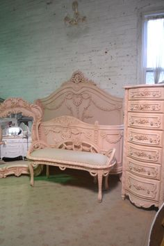 French Bed Painted Cottage Shabby Chic French Romantic Princess Bed Queen / King Bed Paris Pink Bedroom Collection - Tremble Tutorial and Ideas Shabby French Chic, French Cottage, Shabby Vintage, Plywood Furniture, Design Furniture, Chair Design, Furniture Decor, Shabby Chic Kitchen, Shabby Chic Homes