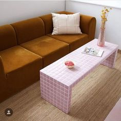Decor Room, Living Room Decor, Bedroom Decor, Design Bedroom, Dining Room, New Yorker Loft, Tiled Coffee Table, Tile Tables, Pink Tiles