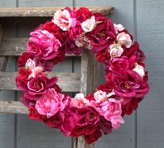valentine wreath pink and red roses