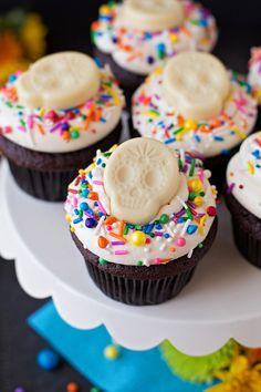 Black and White Sugar Skull Cupcakes   lifemadesimplebakes.com