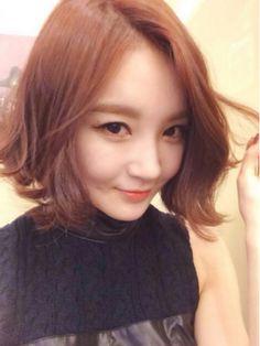kayaknya bagus klo potong rambut kek gini hehehehehe <3 Medium short hair styling    #강민경 #hairstyle #shorthair