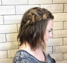 Looking for festival hair inspiration? We're loving this statement plaited style by for a fuss-free way to get instant daytime glamour. Short Choppy Hair, Braids For Short Hair, Short Hair Cuts, Short Hair Styles, Shaved Side Hairstyles, Undercut Hairstyles, Box Braids Hairstyles, Medium Hairstyles, Pretty Short Hair