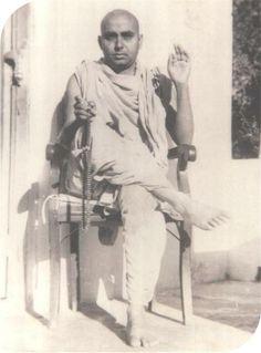 Shri  pramukhswami maharaj  1969, at vichran