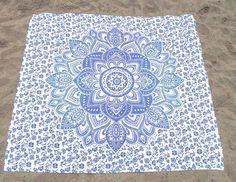 Wandkleed Lotus - Blauw/wit - 220*200cm - Webshop Bekijk in de Patipada webshop https://patipada.nl/yogameditatie/wandkleed-lotus-blauwwit-220200cm/