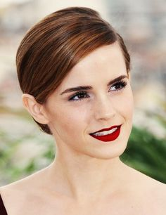 Emma Watson...LOVE her hair color.