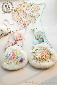 Mina手作 羊毛与花羊毛毡刺绣花朵奶油色羊毛毡口金包