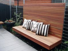 Enjoy your relaxing moment in your backyard, with these remarkable garden screening ideas. Garden screening would make your backyard to be comfortable because you'll get more privacy. Garden Seating, Outdoor Seating, Outdoor Rooms, Outdoor Walls, Outdoor Areas, Outdoor Living, Outdoor Decor, Outdoor Showers, Garden Bench Seat