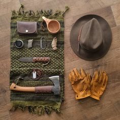 With the popularity of camping, hiking, and trailing at an all-time high, there comes a great demand to known even the most basic of survival skills before heading out on your next outdoor trip. Bushcraft Camping, Bushcraft Skills, Bushcraft Gear, Camping Survival, Outdoor Survival, Survival Prepping, Survival Skills, Camping Gear, Camping Hacks
