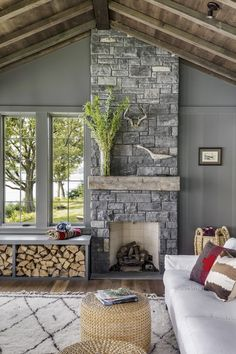 Contemporary living Room Decor - How do I make my living room look rustic? Contemporary living Room Decor - How do you redo living room chairs? Red Brick Fireplaces, Stone Fireplace Wall, Bedroom Fireplace, Farmhouse Fireplace, Modern Fireplace, Living Room With Fireplace, Fireplace Design, Fireplace Ideas, Fireplace Refacing