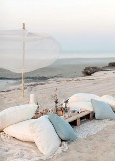 10 Lounge Areas That Will Totally Make Your Wedding: #7. For a beach wedding, nothing beats the laidback feel of this ocean side lounge.