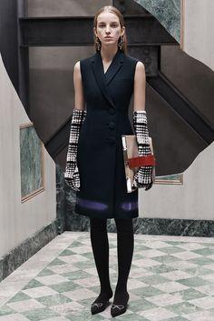 Balenciaga - Pre-Fall 2015 - Look 3 of 30?url=http://www.style.com/slideshows/fashion-shows/pre-fall-2015/balenciaga/collection/3