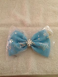 Elsa frozen inspired bow by TinksTinkerHut on Etsy, $6.00