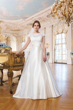 Rochia de mireasă Lillian West 6344.  Silk cotton satin ball gown emphasized with a sweetheart neckline. www.evrikabrides.ro