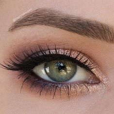 Bridal makeup green eyes with purple plum pencil and copper eyeshadow. – Mishelle Sanchez Bridal makeup green eyes with purple plum pencil and copper eyeshadow. Bridal makeup green eyes with purple plum pencil and copper eyeshadow. Copper Eyeshadow, Creamy Eyeshadow, Eyeshadow Looks, Eyeshadow Makeup, Copper Eye Makeup, Eyeshadow For Green Eyes, Green Lipstick, Eyeshadow Palette, Plum Eye Makeup