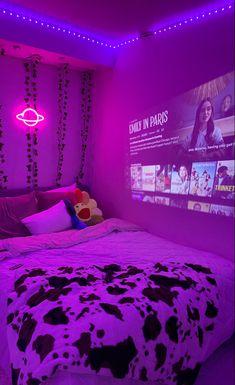 Neon Bedroom, Indie Bedroom, Indie Room Decor, Cute Bedroom Decor, Room Design Bedroom, Teen Room Decor, Aesthetic Room Decor, Room Ideas Bedroom, Bedroom Inspo