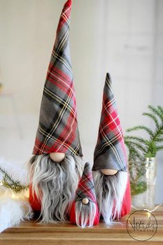 Christmas Gnome Special Plaid Edition 2017 - Nordic Gnome Scandinavian Tomte or Nisse Christmas Gnome, Christmas Projects, Christmas Holidays, Christmas Decorations, Christmas Ornaments, Gnome Ornaments, Scandinavian Gnomes, Scandinavian Christmas, Navidad Diy