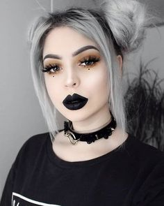 I love Emo / Scene / Gothic / Punk ツ This Page is all about being different. Punk Rock Makeup, Goth Eye Makeup, Grunge Makeup, Clown Makeup, Beauty Makeup, Rock Star Makeup, Cute Emo Makeup, Makeup Usa, 2017 Makeup