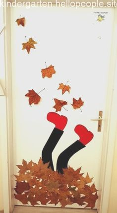 Fensterdeko Herbst Grundschule 2019 Fensterdeko Herbst Grundschule, kinder vorlagen, vorlage, Vorlagen The Effective Pictures We Offer You About main Door A quality picture can tell you many things. Kids Crafts, Fall Crafts For Kids, Art For Kids, Diy And Crafts, Arts And Crafts, Autumn Art, Autumn Activities, Classroom Decor, Fall Classroom Door