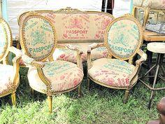 CURIOUS BOYS - script chairs
