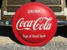 Taste The Feeling [Final] by Coca-cola on SoundCloud Coca Cola Addiction, Coca Cola Vintage, Always Coca Cola, Popular Drinks, Pepsi Cola, Soda Fountain, Bar Drinks, Beverage, Necklaces