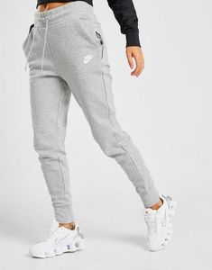 Nike Sweatpants Girls, Cute Sweatpants, Joggers Womens, Cropped Hoodie Outfit, Joggers Outfit, Sporty Outfits, Nike Outfits, Jogging Nike, Mode Chanel