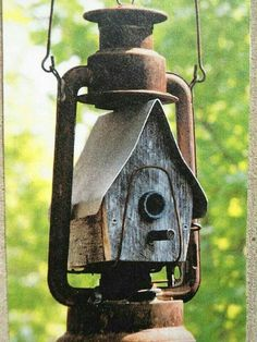♡ Unique - an old lantern and birdhouse