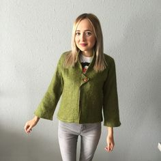 1960's Green Bohemian Vintage Bell sleeve jacket In good condition Vintage Jackets & Coats