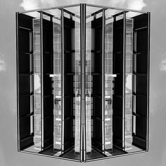 #reflection #mirror #architecture #urban #symmetry creation © Jonathan Stutz