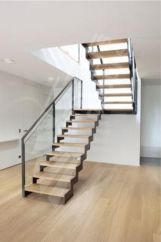 Risultati immagini per escalier double quart tournant avec palier Interior Stairs, Home Interior, Interior Design Living Room, Living Room Designs, Metal Stairs, Modern Stairs, Escalier Design, Stair Handrail, Railings