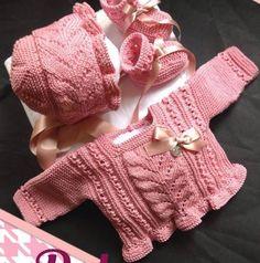 Conjunto-bebé-rosa-de-Las-Chaquetas-de-Adelina.jpg (631×637)