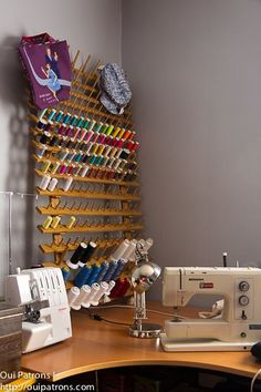 porte-bobines, récupération, bois, sommier, bobines, chevilles, création, alsapapa: