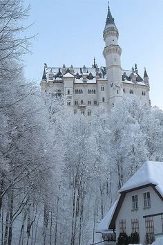 bluepueblo: Snowy Day, Neuschwanstein Castle, Germany photo via hickory