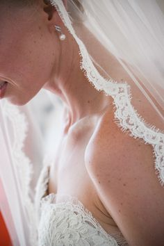 Lace Edged Veil | On SMP | Photography: Zev Fisher Photography