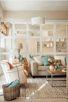 🏡Los 47 salones pequeños que no te puedes PERDER🏡 Divider, Room, Furniture, Home Decor, Instagram, Home, Small Living Rooms, Apartments, Homes