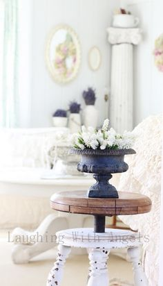 Laughing With Angels: Love the flowers in the urn