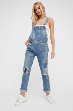 Citizens of Humanity x Free People Quincey Denim Overalls at Free People Clothing Boutique Minimale Kleidung, Casual Outfits, Fashion Outfits, Modest Outfits, Skirt Outfits, Modest Fashion, Back To School Fashion, Denim Look, Minimal Outfit
