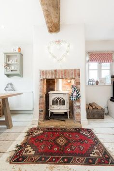 Shabby and Charme: Country chic - Un bellissimo cottage in pietra nei Cotswold Country Kitchen Flooring, Country Dining Rooms, Cottage Living Rooms, Country Furniture, Primitive Furniture, Modern Country Style, Country Chic Cottage, Country Style Homes, Country Decor