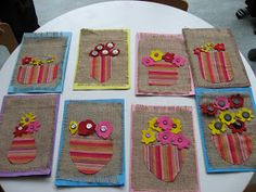Harjoittelimme tokaluokkalaisten kanssa napin ompelua ja teimme nämä kortit Äideille.
