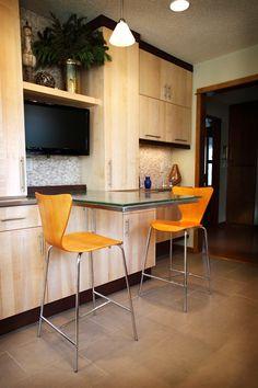 Contempory cast glass countertop by Studio L. Glassworks.