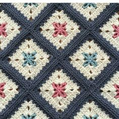"3,713 Likes, 52 Comments - Örgü-Crochet-Baby Blanket (@sevilce_orguler) on Instagram: "". . . . . . #sunum#sahibi#creditby#patternby@alegria73#crochetblanket…"""